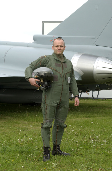 Types of Flight Suits Used Around the World - Carter Industries Inc. 67f16264e33